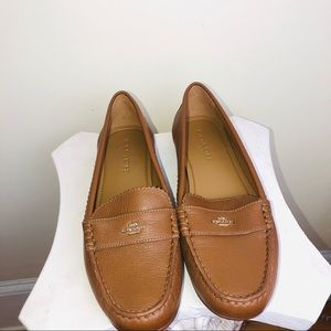 COACH LEATHER LOAFERS SIZE 9